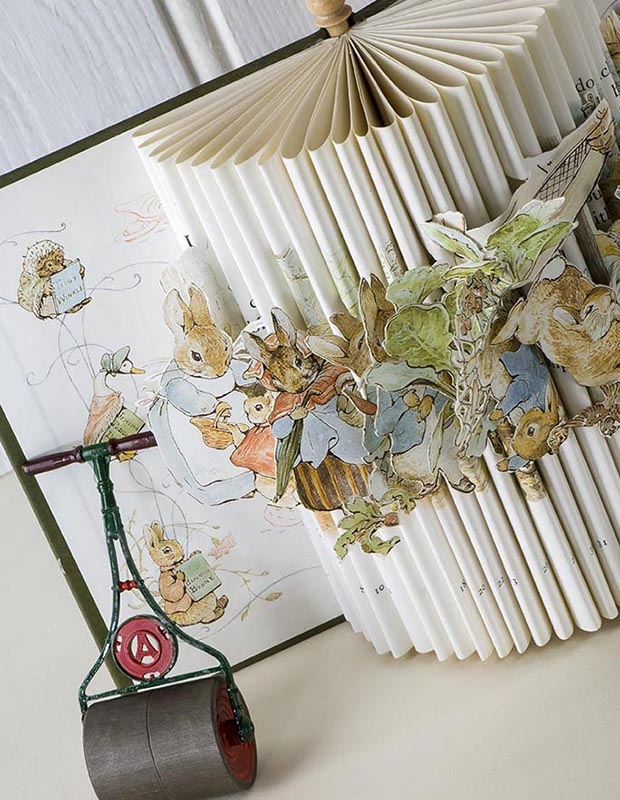 Cut and Folded book made by Creative Rascal 141031wc809140