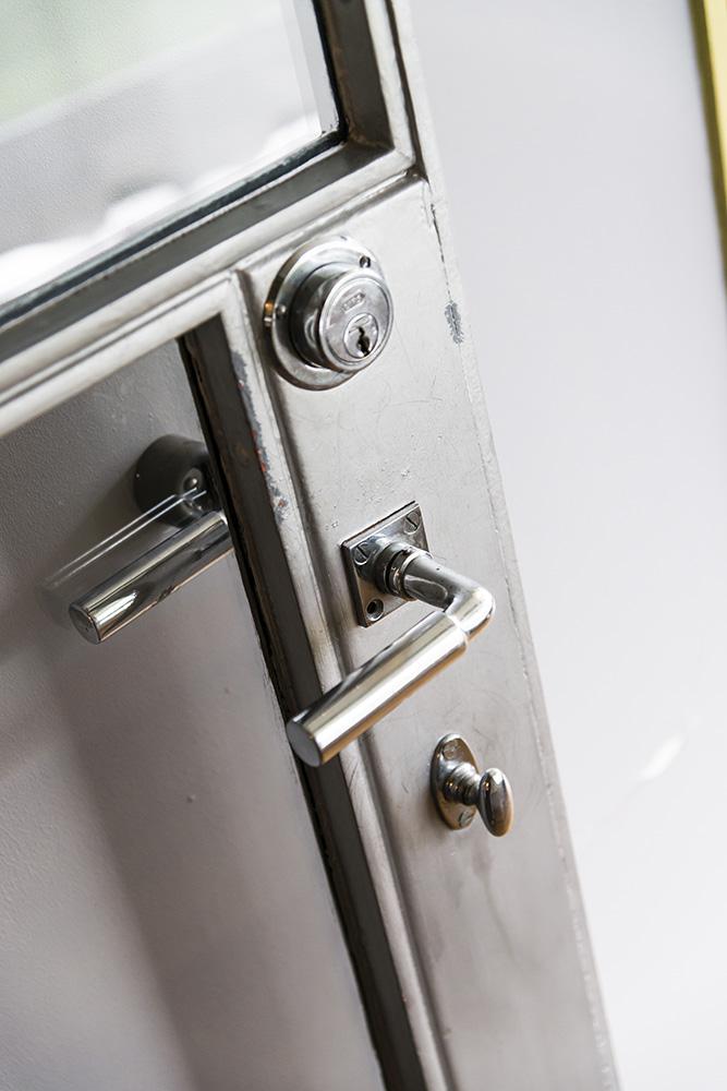 Door Lock Detail, Sonnefeld House Rotterdam 171118wc807590
