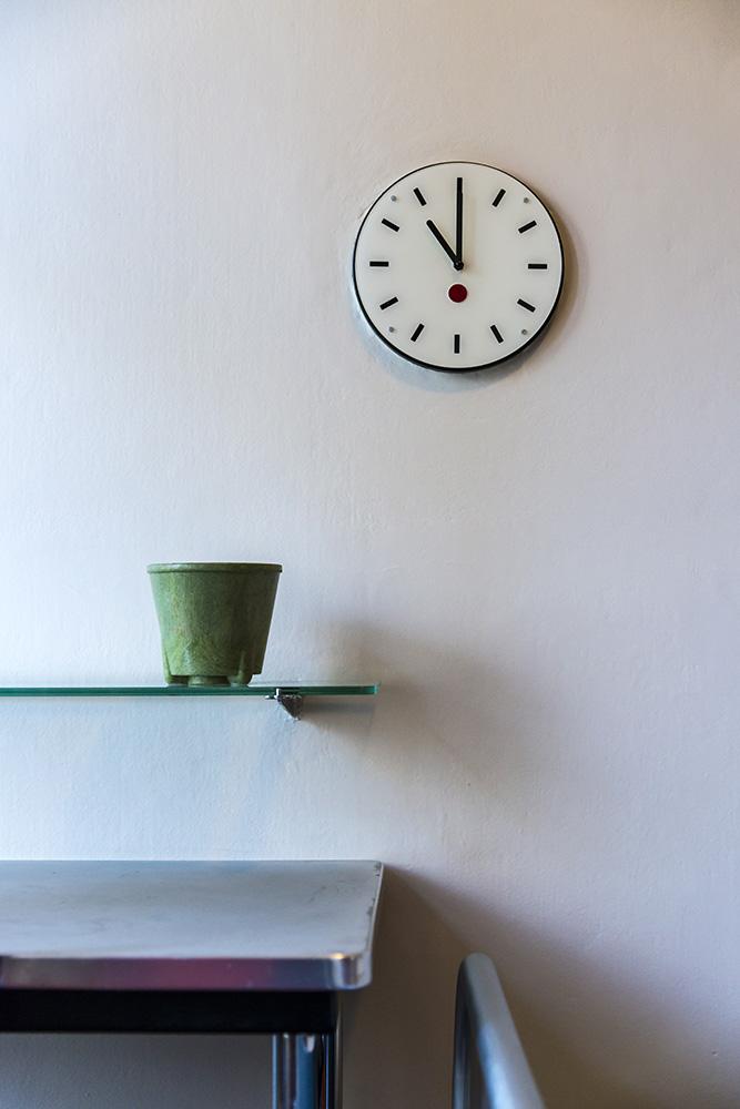 Clock and Shelf, Sonnefeld House Rotterdam 171118wc807593