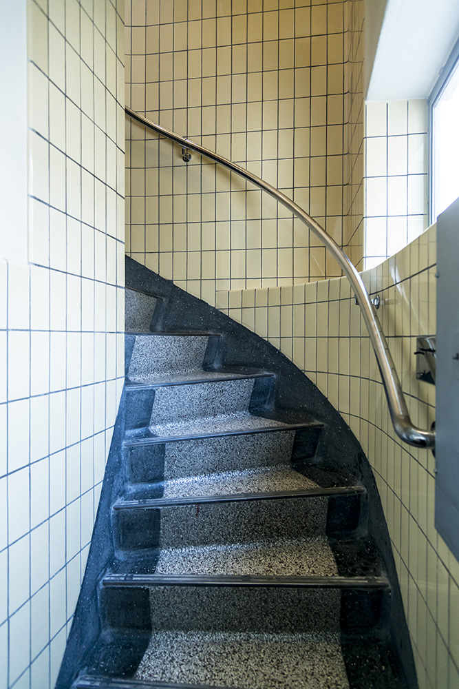 Spiral Staircase, Sonnefeld House Rotterdam 171118wc807602