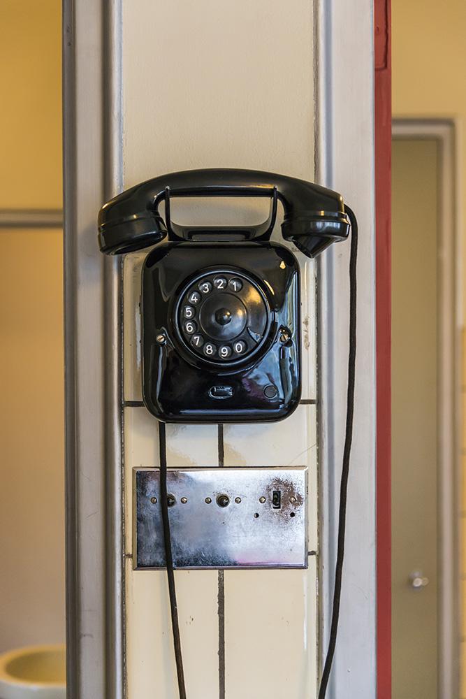 Telephone, Sonnefeld House Rotterdam 171118wc807609