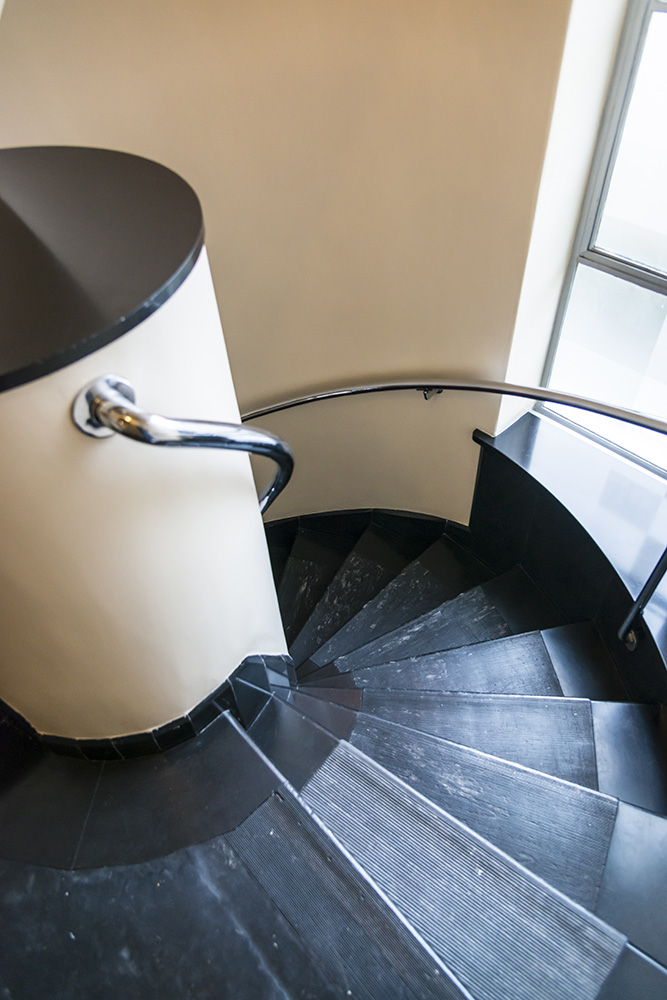 Spiral Staircase, Sonnefeld House Rotterdam 171118wc807631