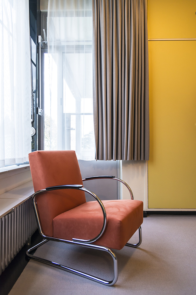 Yellow Doors and Orange Chair in Bedroom, Sonnefeld House Rotterdam 171118wc807657