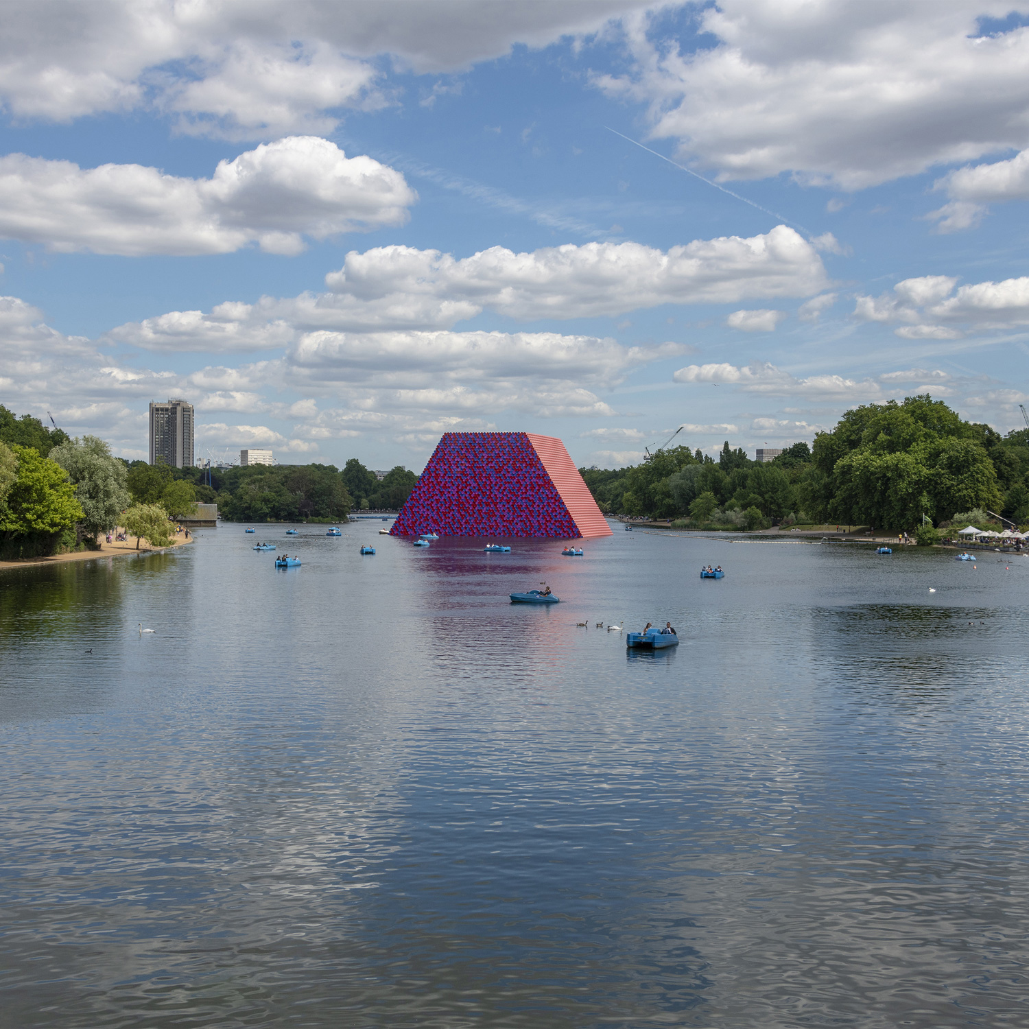 Christo Mastaba Serpentine WaltonCreative