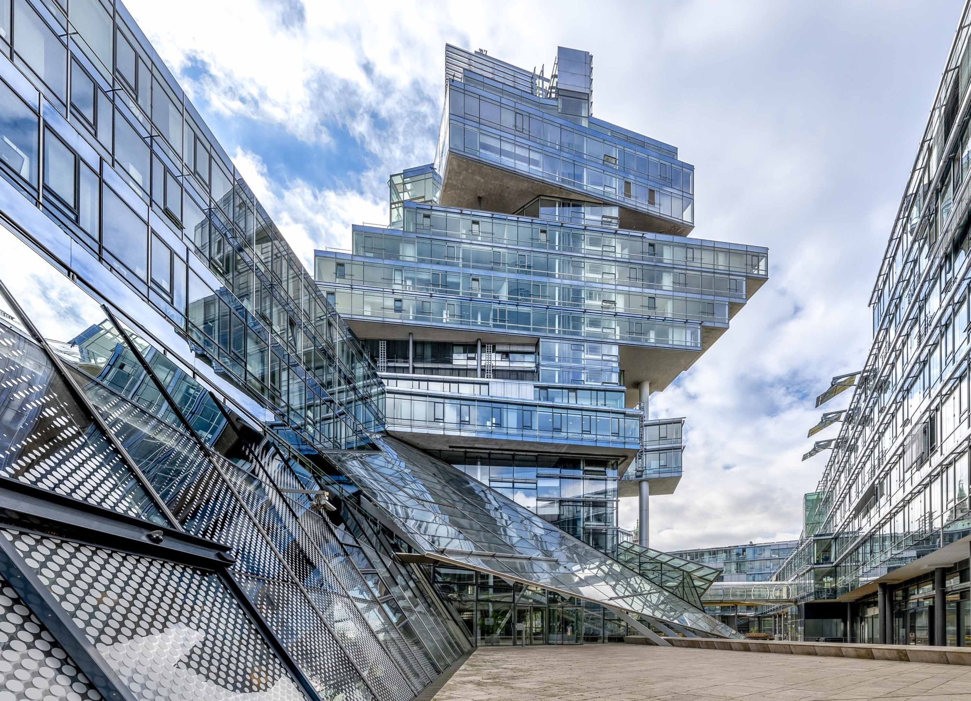 Deconstructivist building of the German Bank Nord:LB in Hannover, Germany 200929wc859785-Edit